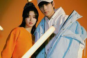 Cặp đôi 'The Penthouse' Kim Young Dae và Kim Hyun Soo tạo 'phản ứng hóa học' trong khung hình mới khiến fan 'ngất ngây'