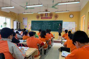 Giáo sư Phạm Hồng Tung đề xuất giáo viên được mặc cả tiền lương, bỏ dự giờ