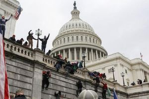 Mỹ truy tố và bắt tạm giam gần 600 người liên quan vụ bạo loạn ở đồi Capitol