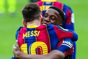 Cầu thủ trẻ nhất đội hình Barca kiến tạo cho Messi