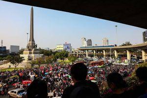 Người biểu tình Thái Lan trở lại đường phố