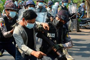 Ngày biểu tình đẫm máu ở Myanmar, ít nhất 18 người chết
