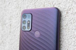 Smartphone chống nước, 4 camera sau, pin 'khủng', giá hấp dẫn