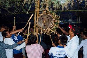 Độc đáo lễ hội đập trống của người Ma Coong