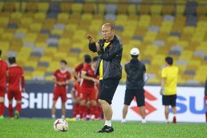 Thầy trò ông Park đá 'chung kết' với UAE, dè chừng Thái Lan