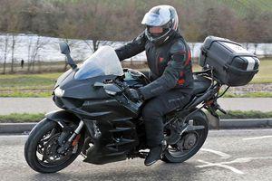 Kawasaki H2 SX 2022 được trang bị radar phía trước