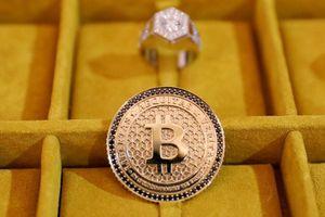 Giá Bitcoin bật tăng
