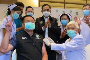 Thái Lan bắt đầu tiêm chủng vaccine COVID-19