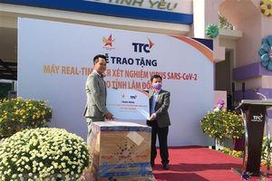 Nhà tài trợ tặng tỉnh Lâm Đồng máy xét nghiệm virus SARS-CoV-2