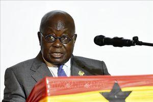 Tổng thống Ghana được tiêm liều vaccine đầu tiên trong chương trình COVAX