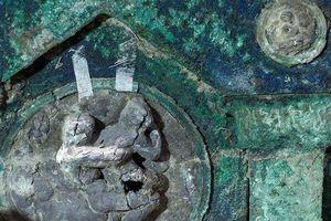 Kho báu kỳ lạ trong cỗ xe ngựa rước dâu 2.000 năm tuổi