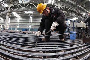PMI tháng 2 tăng nhưng 'niềm tin kinh doanh' giảm vì Covid-19