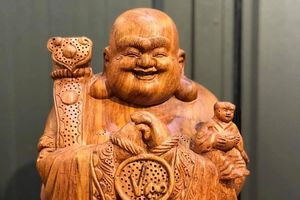 Tượng gỗ Trung Kiên - địa chỉ sắm sản phẩm điêu khắc uy tín
