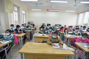 Ngày đầu trở lại trường của các 'chiến binh nhí' Tiểu học Xuân Phương