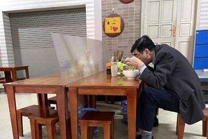 Hà Đông: Công tác kiểm soát dịch bệnh tiếp tục được duy trì khi hàng quán mở cửa trở lại