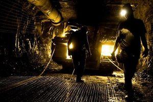 Sạt lở mỏ vàng thủ công, ít nhất 11 người thiệt mạng