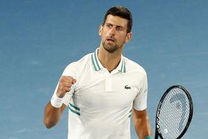 Novak Djokovic san bằng kỷ lục 'khủng' của Roger Federer