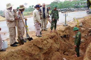 Phát hiện quả bom 227 kg còn nguyên kíp nổ ở Quảng Bình