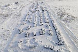 Thị trấn 'ma' phủ đầy tuyết trắng, tĩnh lặng như thời gian bị 'đóng băng'