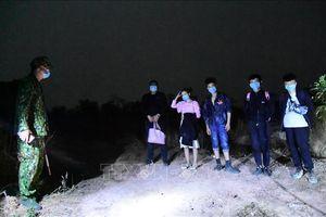 Năm người nước ngoài nhập cảnh trái phép âm tính với SARS-CoV-2