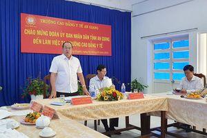 Chủ tịch UBND tỉnh An Giang Nguyễn Thanh Bình tháo gỡ khó khăn, hỗ trợ Trường Cao đẳng Y tế An Giang