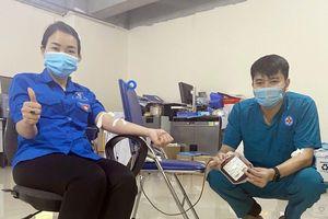 Tiên Yên: 2 thanh niên hiến máu khẩn cấp cứu sản phụ qua cơn nguy hiểm