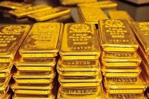 Giá vàng giảm mạnh, tiếp tục xuyên thủng đáy