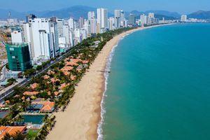 Thu lại mặt biển Nha Trang làm bãi tắm công cộng - muộn còn hơn không