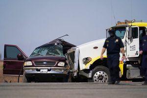 Tai nạn giao thông nghiêm trọng tại Mỹ, ít nhất 15 người thiệt mạng
