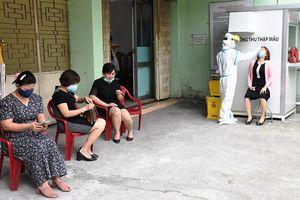 Gần 7.000 cán bộ y tế tuyến đầu Đà Nẵng được xét nghiệm SARS-CoV-2