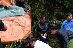 Ô tô bán tải rơi xuống vực sâu ở Nghệ An, cán bộ thanh tra huyện tử vong