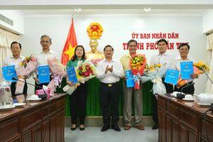 TP. Cần Thơ bổ nhiệm 5 Giám đốc Sở và Trưởng ban Ban Quản lý các Khu chế xuất và Công nghiệp