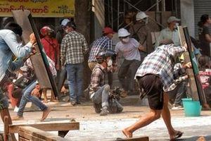 Biểu tình tiếp tục nóng tại Myanmar, thêm 9 người thiệt mạng