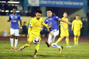 Hà Nội FC giao lưu với 'đối mềm' làm nóng trước trận đấu với Hải Phòng