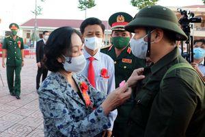 Trưởng Ban Dân vận TƯ Trương Thị Mai dự lễ giao nhận quân tại ĐBSCL