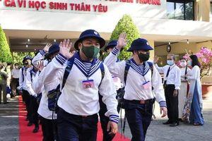 Hơn 4.600 thanh niên thành phố Hồ Chí Minh lên đường nhập ngũ
