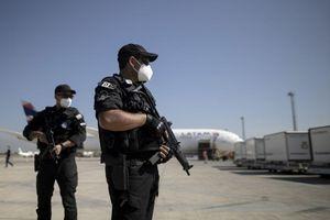 An ninh có vũ trang bảo vệ vaccine chống Covid-19