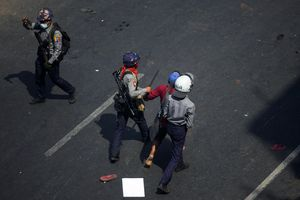 Ba cảnh sát Myanmar trốn sang Ấn Độ