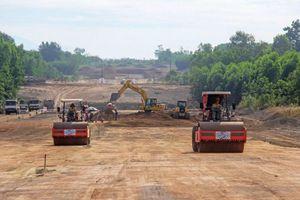 Khởi công hai dự án cao tốc bắc - nam vừa chuyển đầu tư công