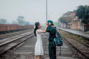 Bộ ảnh 'Tiễn người yêu lên đường nhập ngũ' của đôi bạn đến từ Quảng Ninh