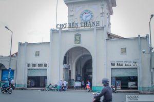TPHCM: Chợ Bến Thành vắng khách, nhiều hộ kinh doanh trả mặt bằng