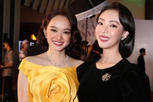 Thu Trang diện đầm nhung quý phái, đọ sắc mỹ miều cùng Kaity Nguyễn