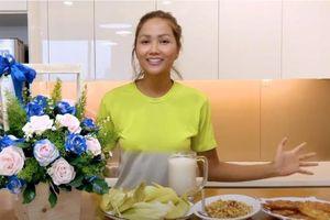 Hoa hậu H'Hen Niê biến bắp ngô thành 4 món ăn ngon bá cháy