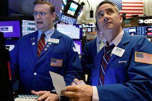 Cổ phiếu công nghệ bị bán tháo, chứng khoán Mỹ sụt mạnh