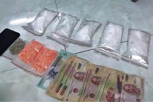 Cà Mau: Bắt quả tang thanh niên tàng trữ lượng lớn ma túy