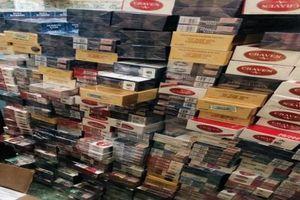 Cà Mau: Tạm giữ hình sự đối tượng tàng trữ hàng chục ngàn gói thuốc lá lậu