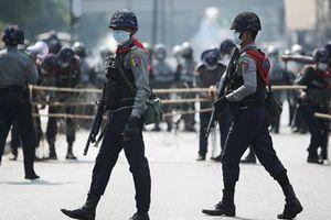 Hàng chục cảnh sát Myanmar vượt biên sang Ấn Độ xin tị nạn