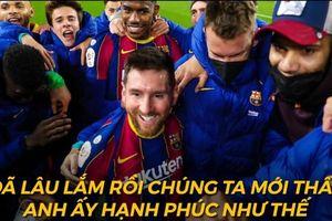 Biếm họa 24h: Lionel Messi tìm lại nụ cười ở Barca