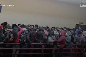 Sập lan can, rơi từ tầng 4, ít nhất 7 sinh viên chết ở Bolivia