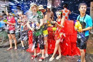 Chờ đợi suốt 2 năm, năm nay Tết té nước Songkran ở Thái Lan được phép tổ chức